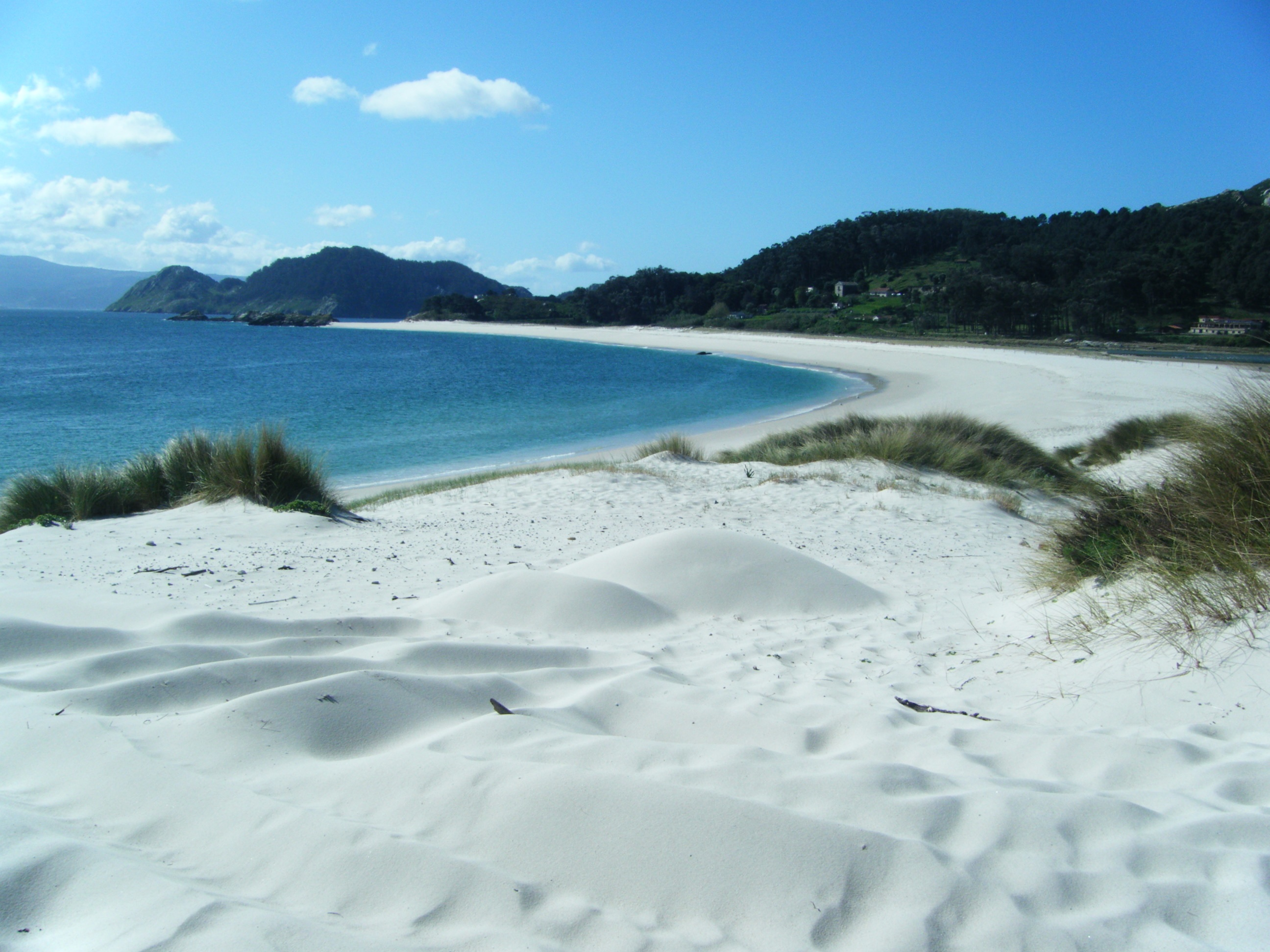 LAS ISLAS CIES: A TRIO OF TINY ISLANDS IN GALICIA, SPAIN - Friendly Spanish