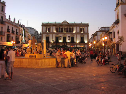 Vibrant streetlife in Ronda