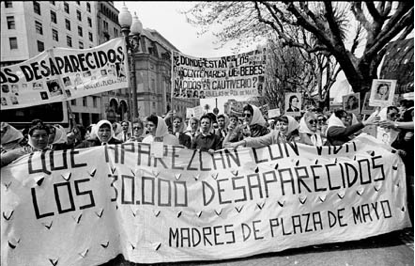 Argentina - Madres protesting 1982